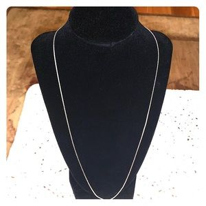 Jewelry - Beautiful 24 inch sterling silver chain necklace